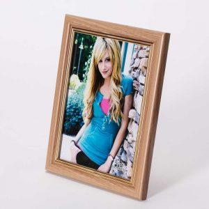 מסגרת לתמונה שולחנית חומה מעץ 23X18 -