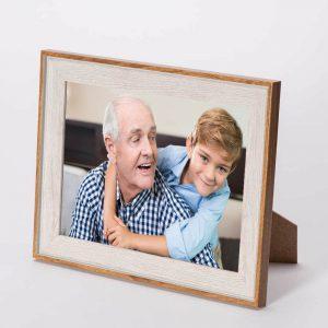 מסגרת לתמונה שולחנית קרם מעץ 23X18 -