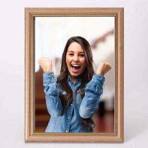 מסגרת לתמונה שולחנית חומה מעץ 26X34.5 -