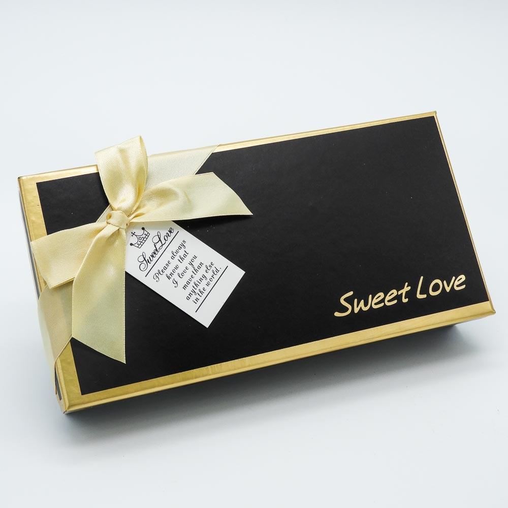 קופסת מתנה 12 פרחי סבון אדומים ודובי