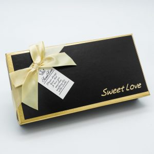 קופסת מתנה 9 פרחי סבון ורודים ודובי -