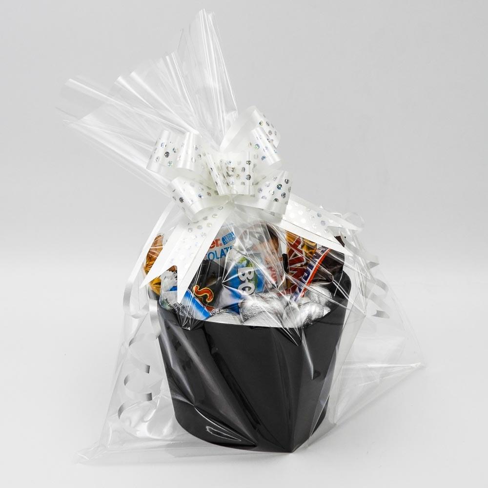 מארז שוקולדים קטן בקופסת לב שחורה וצלופן K000042-1