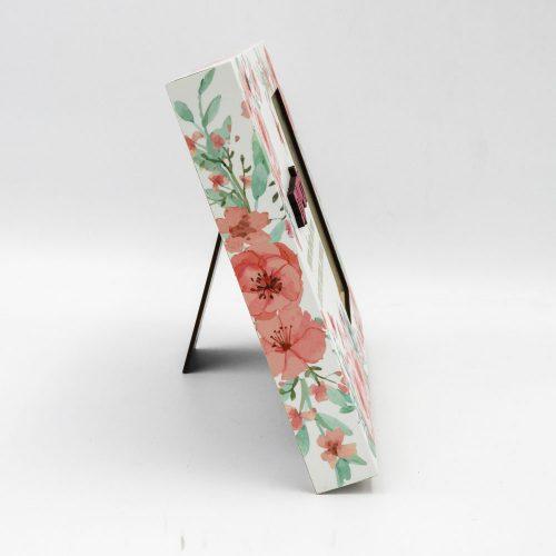 מסגרת לתמונה מעץ מתנה לסייעת בעיצוב פרחוני עם הבלטה והטבעה מזהב תמונת פרופיל